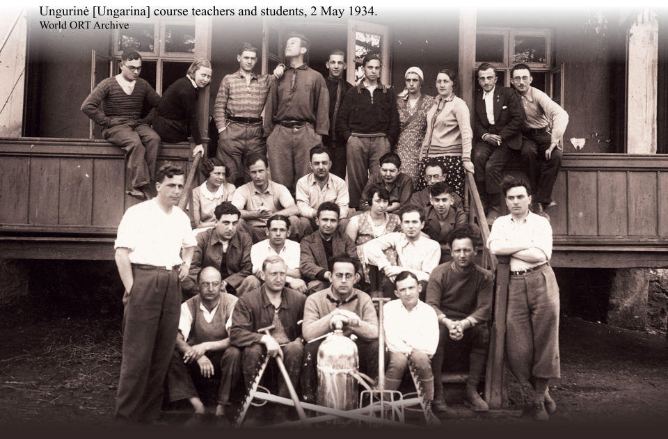 Ungurinė [Ungarina] course teachers and students, 2 May 1934. World ORT Archive